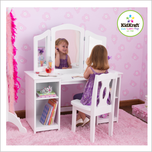 Decoration chambre princesse for Chambre fille princesse